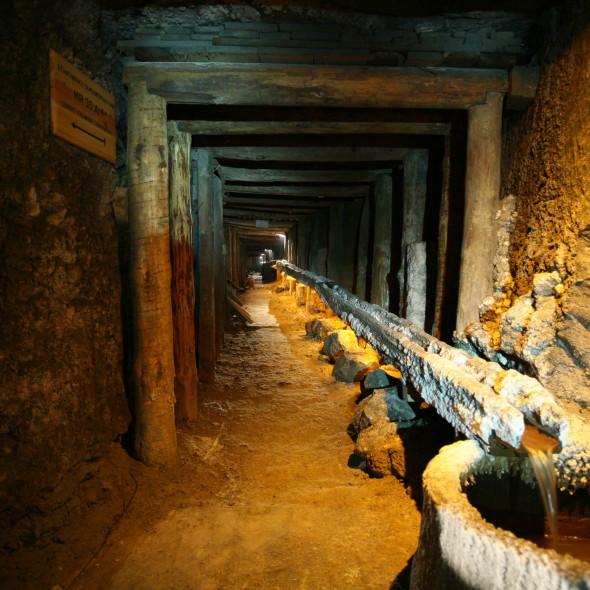 wieliczka-salt-mine_tours-around-krakow_poland-active